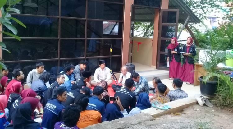 suasana kata sambutan yang dilakukan oleh rektor unindra, Prof. Dr. H. Sumaryoto